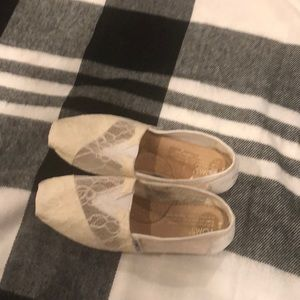 Toms Shoes - Selling White toms
